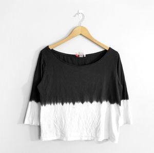 5/$25 🌿 H&M Black White Dip Dye Top
